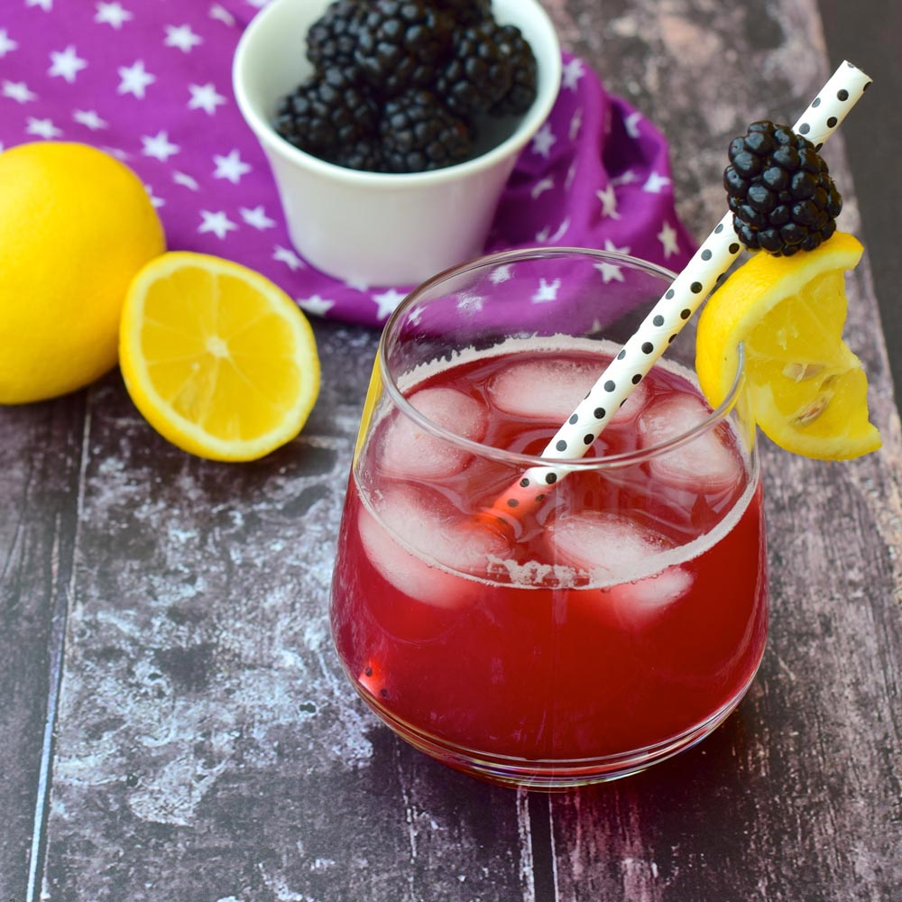 Limonada con BlackBerry Twist