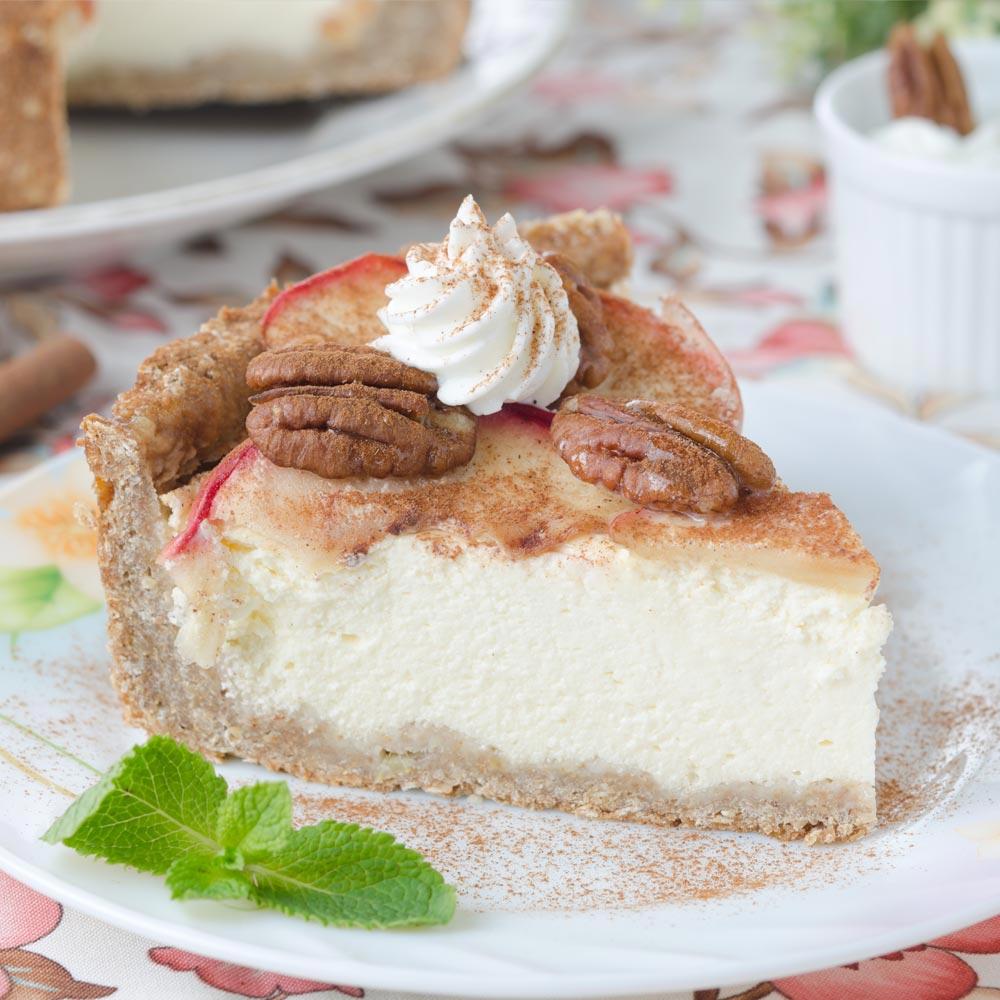 Cheesecake con manzana, nuez pecana y caramelo