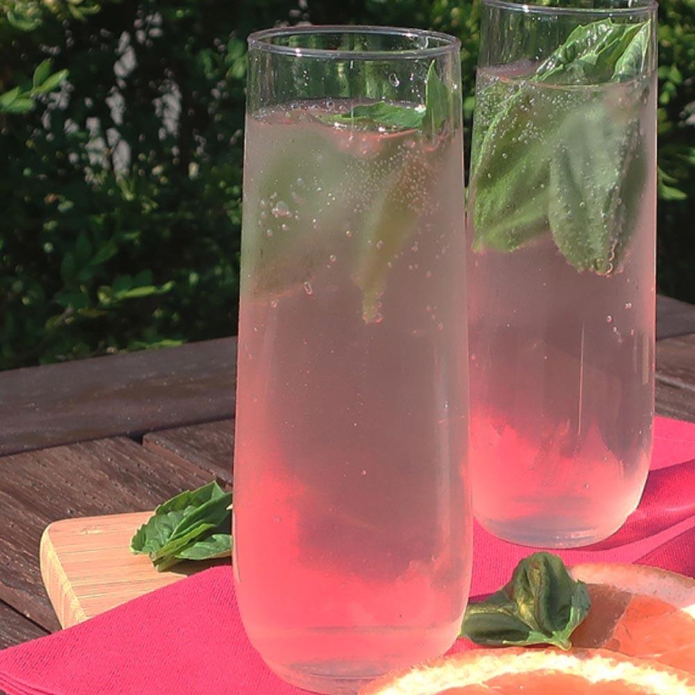 Mimosa de jengibre, albahaca y pomelosin alcohol