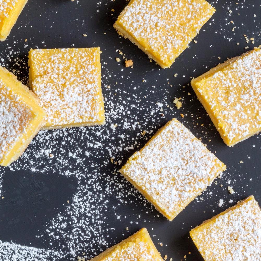Barras de limón y frambuesa