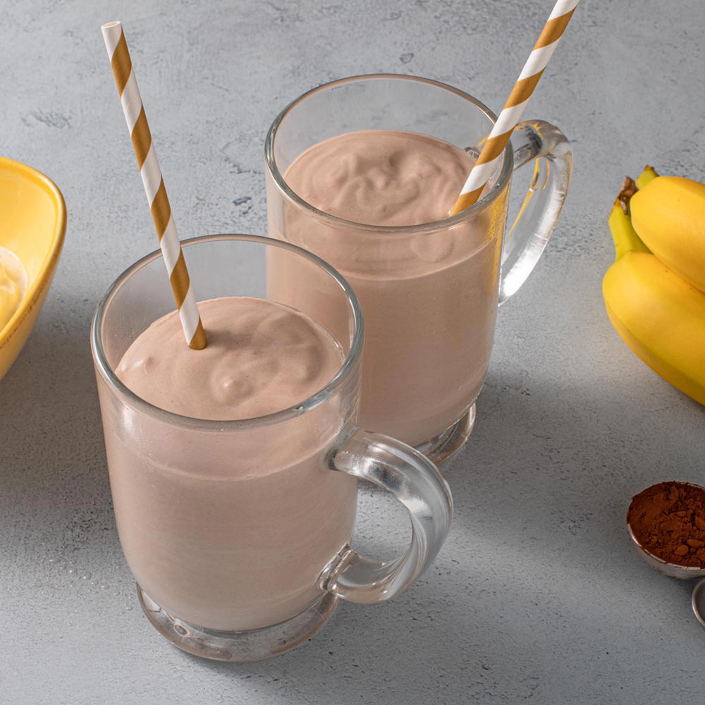 Smoothie de banana con mantequilla de maní y chocolate