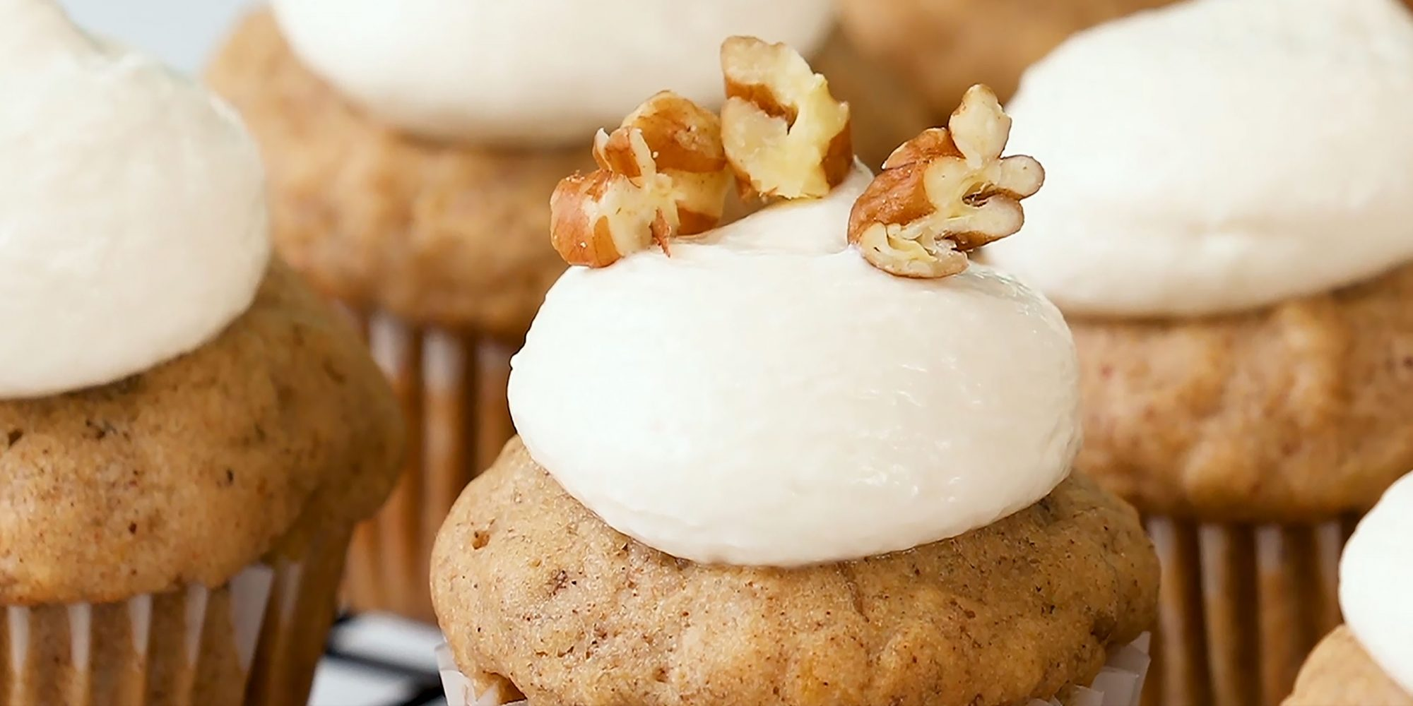 Mini Hummingbird Cupcakes
